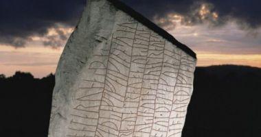 Tainele runelor scandinave. Vezi ce fenomen actual descrie o inscripție faimoasă!