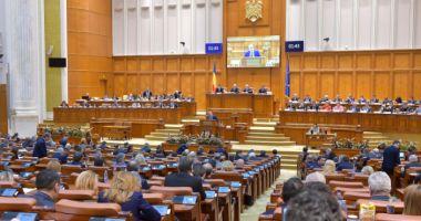 Tensiuni la parlament. Opoziția forțează schimbarea lui Dragnea și Iordache
