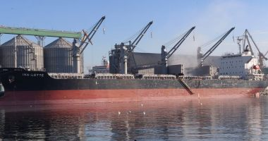 Doi cetăţeni clandestini, descoperiţi la bordul unei nave, în Portul Constanţa