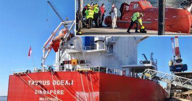 Doi marinari au fost răniți de o barcă de salvare