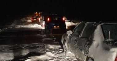 198 de maşini sunt în continuare blocate din cauza zăpezii în judeţul Constanţa
