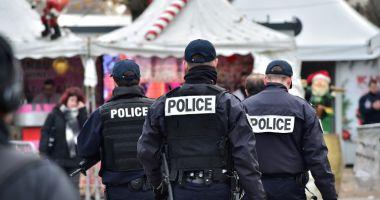 Sașe persoane bănuite că plănuiau un atac împotriva președintelui Emmanuel Macron, arestate