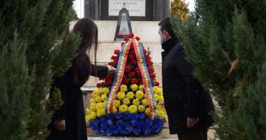 Elena Băsescu a depus o coroană la Cimitirul Internaţional de Onoare de la Mircea Vodă