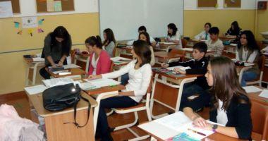 Ministrul Educației: Voi solicita profesorilor să nu le mai ceară copiilor să memoreze comentarii