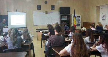"""Excelență  în educație  pentru Colegiul Național """"Mihai Eminescu"""""""