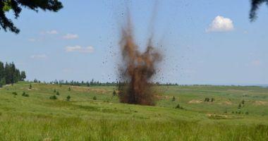 Bombă de aviație de 50 de Kg, descoperită pe un drum intens circulat