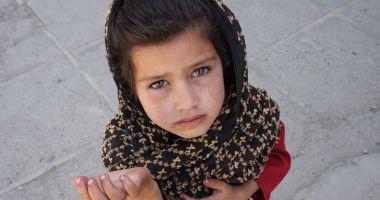 Copiii fără copilărie, de pe străzile Constanței. Părinți anchetați pentru exploatare!