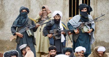 SUA declară că fuga fostului preşedinte afgan din ţară a grăbit prăbuşirea statului