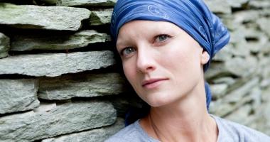 """""""Nu toți nodulii sunt canceroși"""". Cancerul de sân, pe înțelesul tuturor femeilor"""
