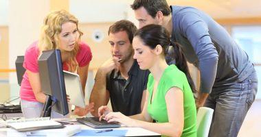 Ce pot face tinerii care nu lucrează și nici nu învață