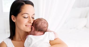 Liber la făcut copii! Mămicile vor primi indemnizații de minim 1.000 lei/lună