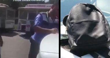 VIDEO / Două hoațe care furaseră un rucsac, prinse de politiștii locali
