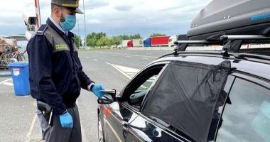 Haine posibil contrafăcute, confiscate de poliţiştii de frontieră de la Vama Veche