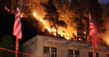 Cel puțin 74 de morți și 187 de răniți în incendiile din Grecia, însă numărul dispăruților nu a fost determinat UPDATE
