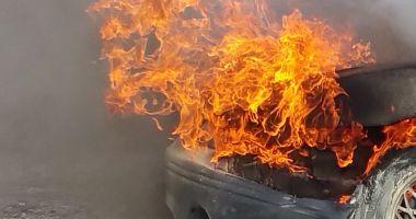 ATENȚIE ȘOFERI! Trafic închis pe Autostrada Soarelui, după ce o mașină a luat foc