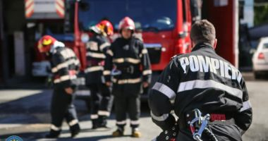 A dat foc apartamentului și s-a aruncat pe geam după ce s-a certat cu părinții