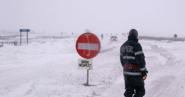 DN 3 închis între localitățile Ostrov și Cobadin, județul Constanța. Viscol și vizibilitate redusă!