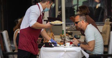 Industria ospitalităţii cere Guvernului un plan de revenire la normalitate