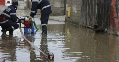 Inundații puternice în Constanţa. Ce unităţi de învăţământ au fost afectate