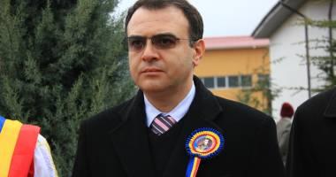 Prefectul Ion Constantin l-a suspendat din funcție pe Nicușor Constantinescu