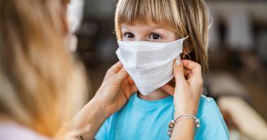 Rata de infectare cu coronavirus crește constant în rândul copiilor