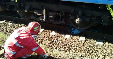 Adolescent de 16 ani, spulberat de tren. Cum s-a întâmplat tragedia