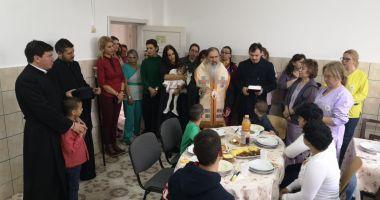 """IPS Teodosie le-a oferit masa de prânz copiilor din Centrul """"Cristina"""""""