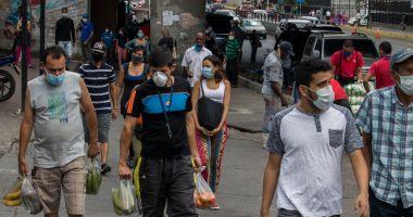 OMS recomandă purtarea măștilor de protecție în public