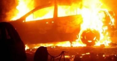Copil mort într-o mașină care a luat foc. Producătorul, obligat să despăgubească familia cu o sumă uriașă