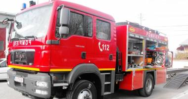 Pompierii intervin la o conductă de gaze spartă