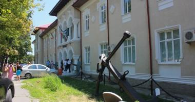 Muzeul Marinei Române. Expoziție de picturi, dedicată tuturor celor care și-au pierdut viața pe mare