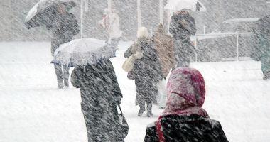VAL POLAR PESTE ROMÂNIA! Vremea se va răci accentuat și se întorc ninsorile