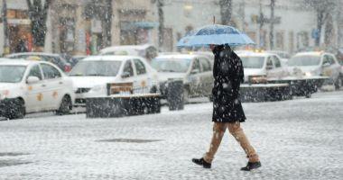 Ploi, vânt, lapoviță și ninsori. PROGNOZA METEO pentru 24 septembrie - 7 octombrie