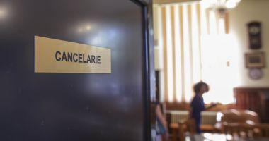 Secretar de stat: Cadrele didactice trebuie programate pentru vaccinare de către școli