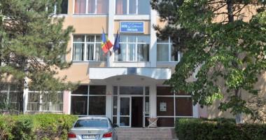 """Sancțiuni DURE pentru elevul de la Liceul """"Călinescu"""" care și-a intoxicat colegii cu sulf"""