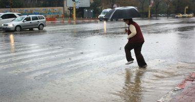 O nouă avertizare de la meteorologi. Ploi, furtuni şi grindină, în zona Dobrogei