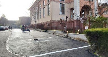 Administrația locală a amenajat noi locuri de parcare