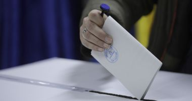 Românii din Marea Britanie, primii la votul prin corespondenţă
