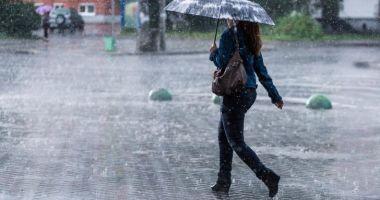 Se strică vremea la Constanţa. Informare meteo de ploi, frig şi vânt puternic în toată ţara