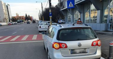 Poliţia Locală Constanţa. Maşini ridicate şi sute de amenzi pentru opriri şi staţionări regulamentare