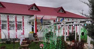 """""""Târgul lui Moş Crăciun"""", aproape finalizat în comuna Saraiu"""