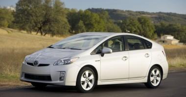 Toyota recheamă în service 242.000 de modele Prius pentru o posibilă defecțiune la frâne