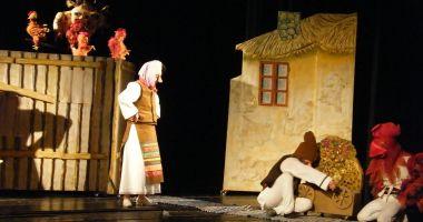 """""""Povestea porcului"""" și Punguța cu doi bani"""", pentru copii"""