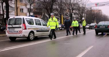 Microbuzele și camioanele, luate la puricat de Poliția Română