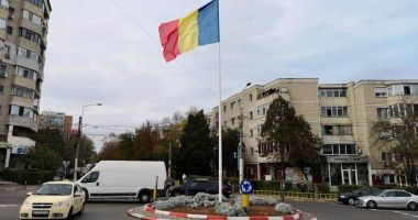 Ziua Națională a României / Steagul țării,  arborat în 14 intersecții din Constanța