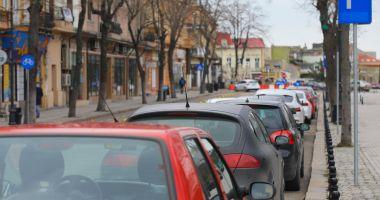 Regulamentul parcărilor, în Constanţa, în consultare publică. Puteţi trimite propuneri şi opinii!