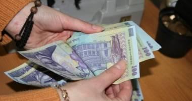 Cum au crescut salariile românilor