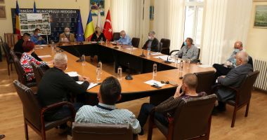 Consilierii locali din Medgidia, undă verde pentru plata serviciilor oferite de bone