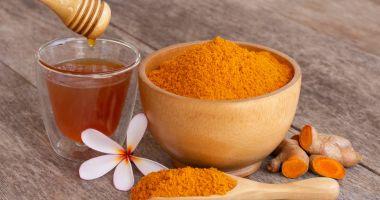 Sfatul specialistului - Stimulați-vă sistemul imunitar cu turmeric și miere!