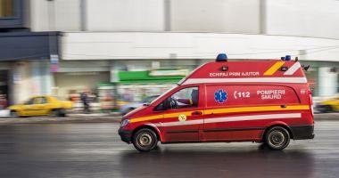 Doi frați au căzut de la etajul cinci; unul a decedat